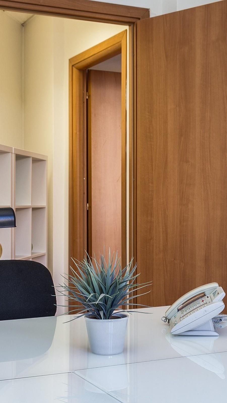 Uffici standard in affitto for Centro uffici roma